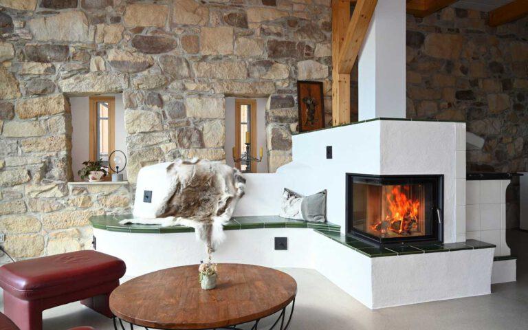 Grundofen-Herd-Kombination im modernen Landhaus