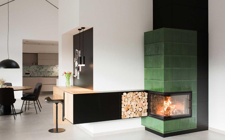 Kombinierter Schreibtisch-Holzregal-Ablage-Sideboard-und-Pinwand-Ofen